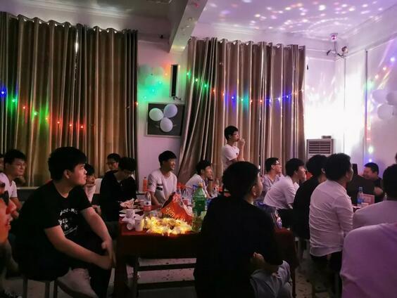 课工场郑州翔天信鸽大数据班开业典礼2.jpg